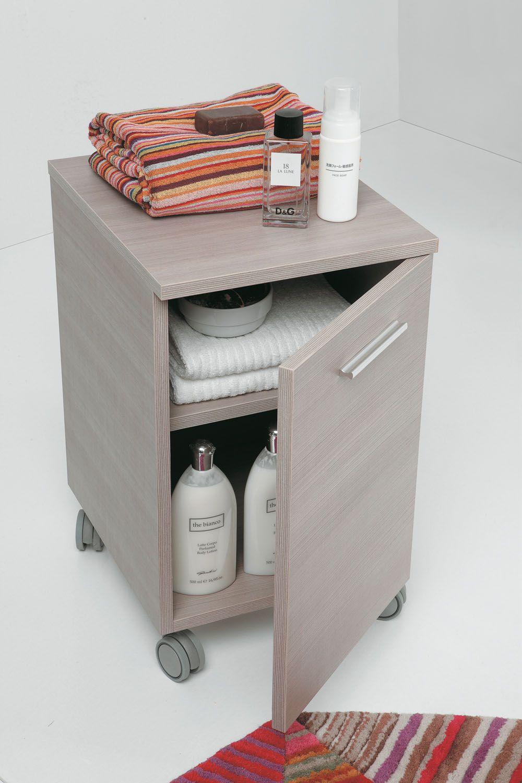 Carrello in legno chiaro per impreziosire il tuo bagno #complementi ...