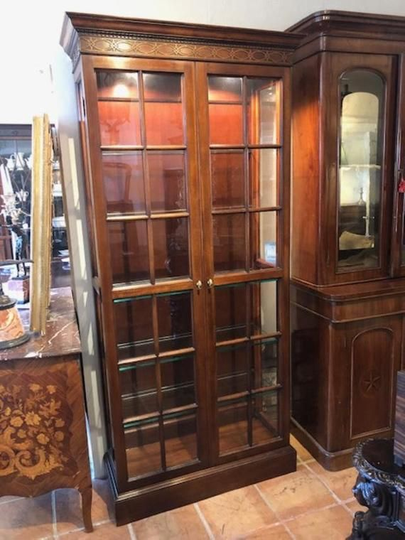 Antique Style Mahogany Showcase Cabinet Glass Door And