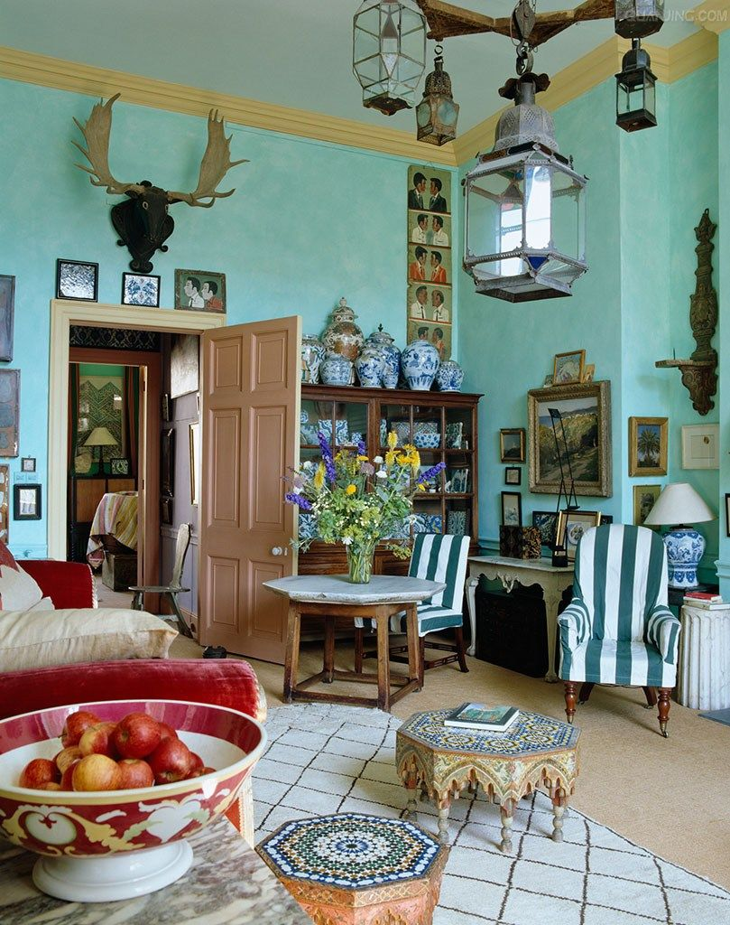English Country Manor Bedrooms: Eccentric English Style