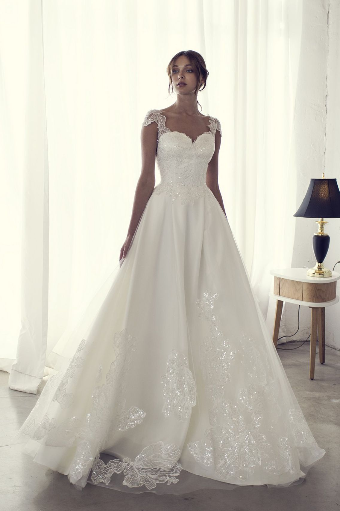 Pin By Corona Bonow On Wedding Dresses Bridal Dresses Wedding Dresses Designer Wedding Dresses