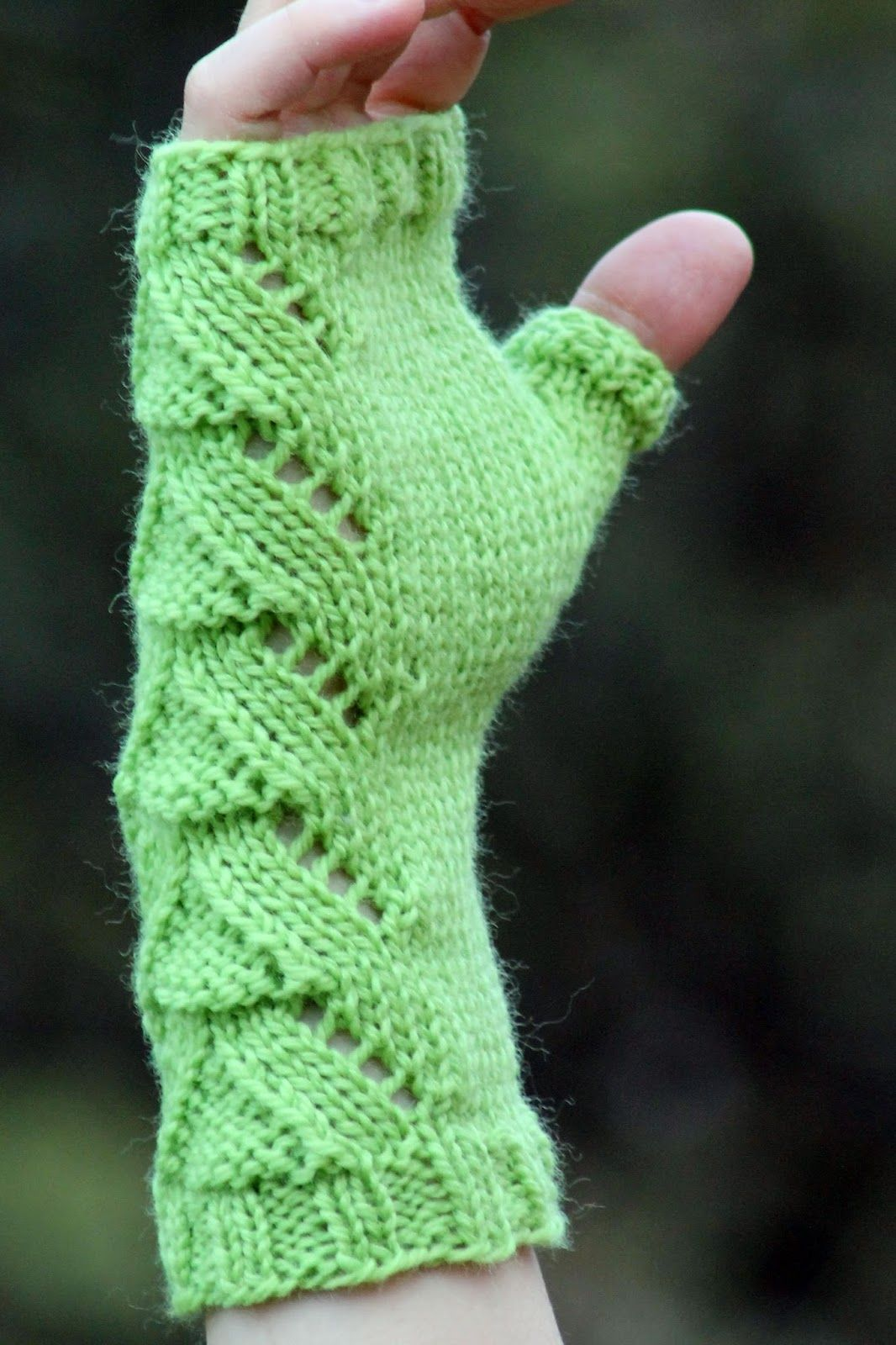 Lizard People Fingerless Gloves | Fingerless gloves, Knit patterns ...