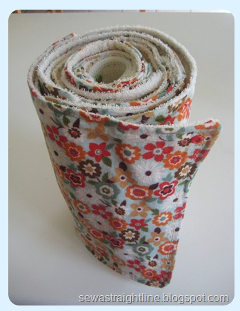 Love this green idea... homemade paper towels,, I think I will use velcro instead...
