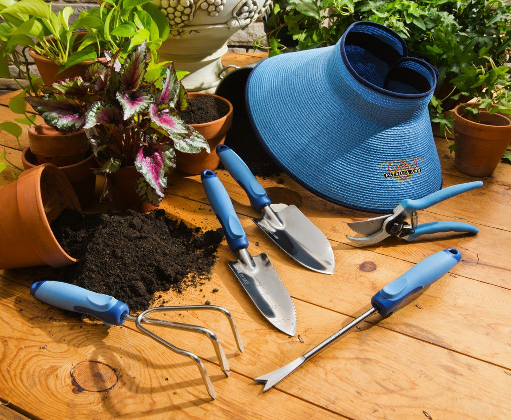 This New Garden Tool Line Was Made By A Woman With A Woman In Mind Garden Tools Garden Tools Design Garden Tool Set