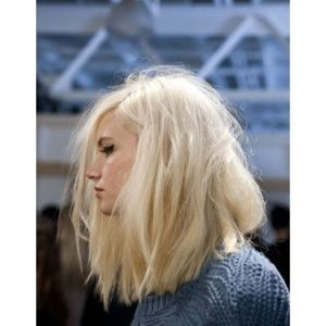 balayage blond polaire cheveux mi long. Black Bedroom Furniture Sets. Home Design Ideas