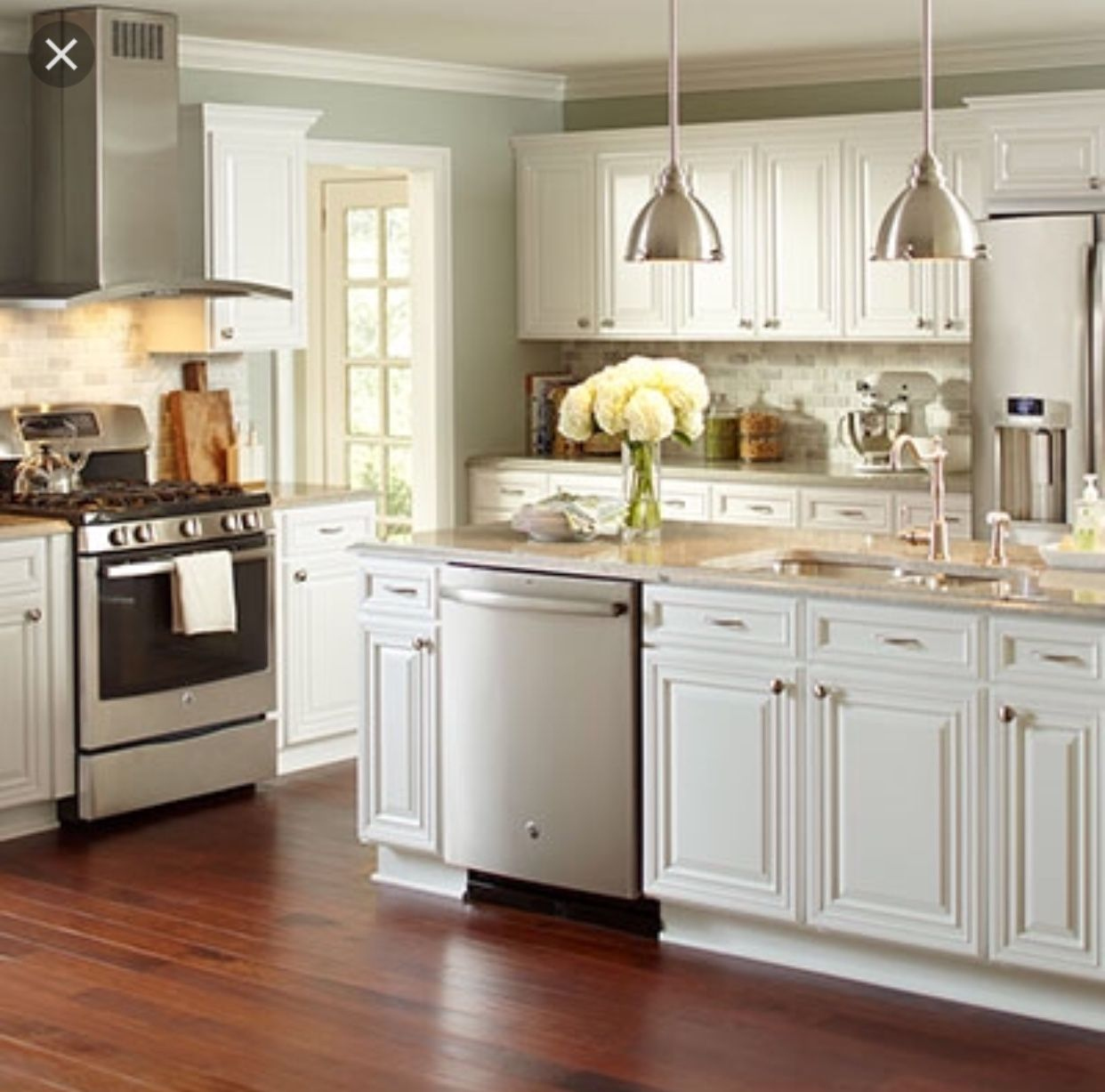 Pin By Andrea Andres On House Home Depot Kitchen Kitchen Cabinets Home Depot Kitchen Design Small