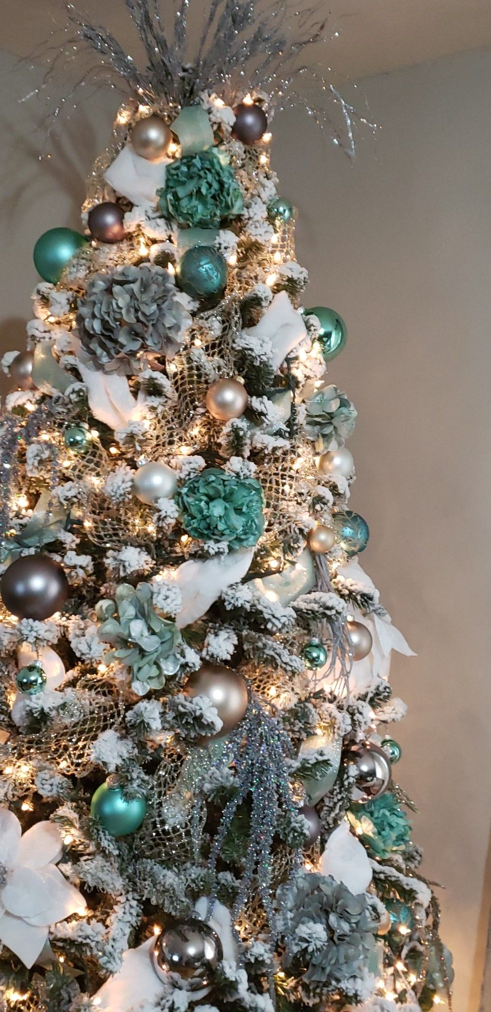 My Kingofchristmas White Blue Teal Mint Champagne And Gray Christmas Tree Decoration Blue Christmas Tree Decorations Teal Christmas Tree Blue Christmas Tree