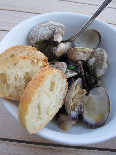 Steamed Clams with pancetta & fennel