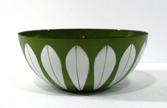 Vintage Catherineholm Lotus Bowl 9.5 Inch Mid by vintagediana72, $110.00
