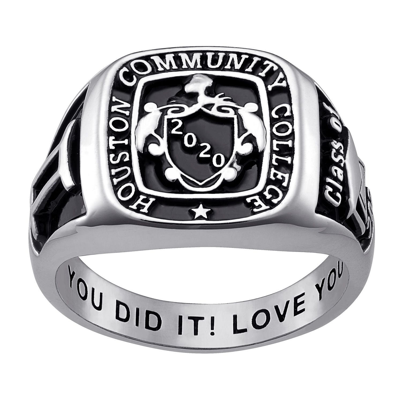 Make graduation with a stylish class ring