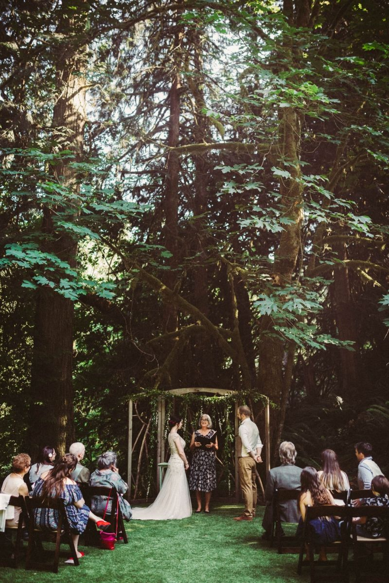 Intimate Treehouse Point Wedding In Issaquah Wa Faye Derek Wandering Weddings Treehouse Point Wedding Treehouse Wedding Treehouse Point