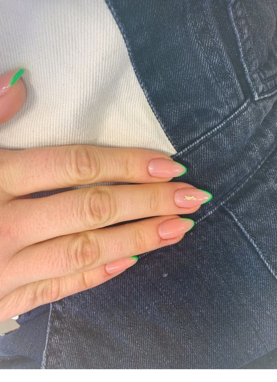 Green tips, pink nails