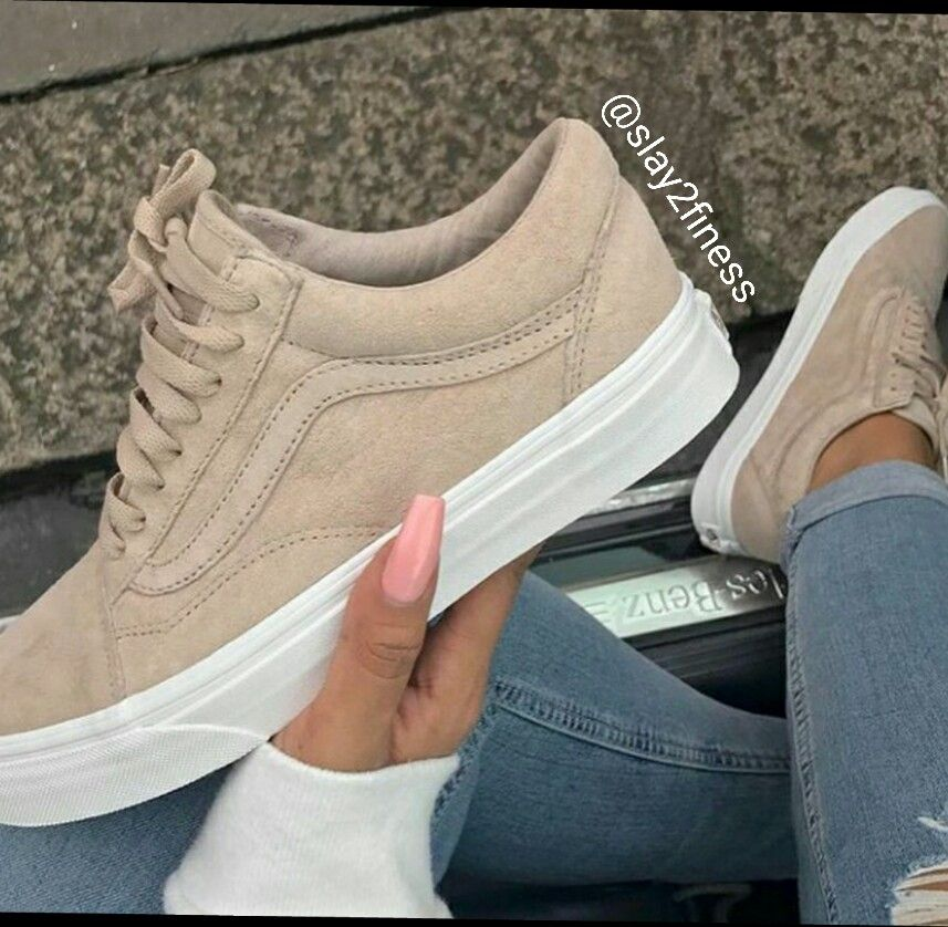 a6f716203c3ac3 aren t they some cool suede vans