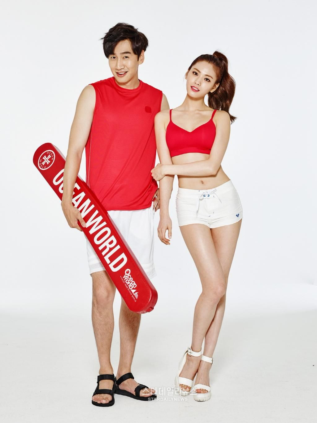 Lee Kwang Soo and After School's Nana become the new models for Ocean World