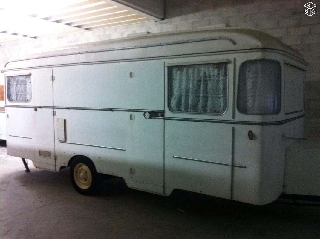 caravane collection vintage 1966 val de loire pullman 515 mod le double portes caravanes. Black Bedroom Furniture Sets. Home Design Ideas
