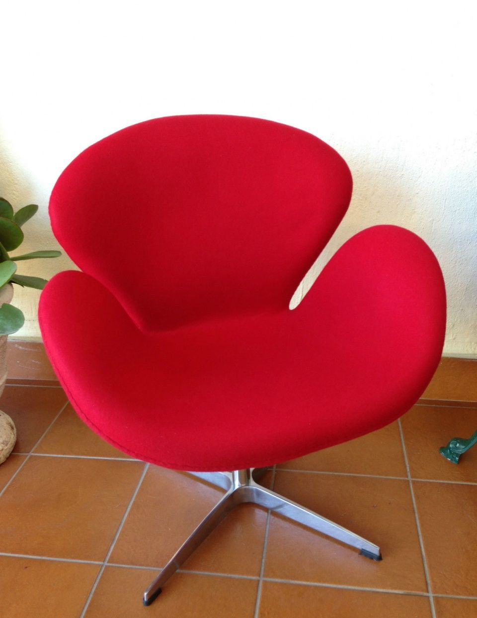 Replica Matt Blatt ARNE JACOBSEN SWAN CHAIR Mid Century Featherstone Vintage Era