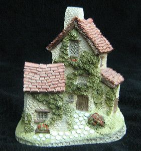 This David Winter Ivy Cottage English Cottage 1982 England Is From The Heart Of England Series Handmade And Is Hand Paint Tiny Treasures Handmade Hand Painted