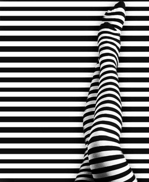 картинки черные и белые полосы приговорил