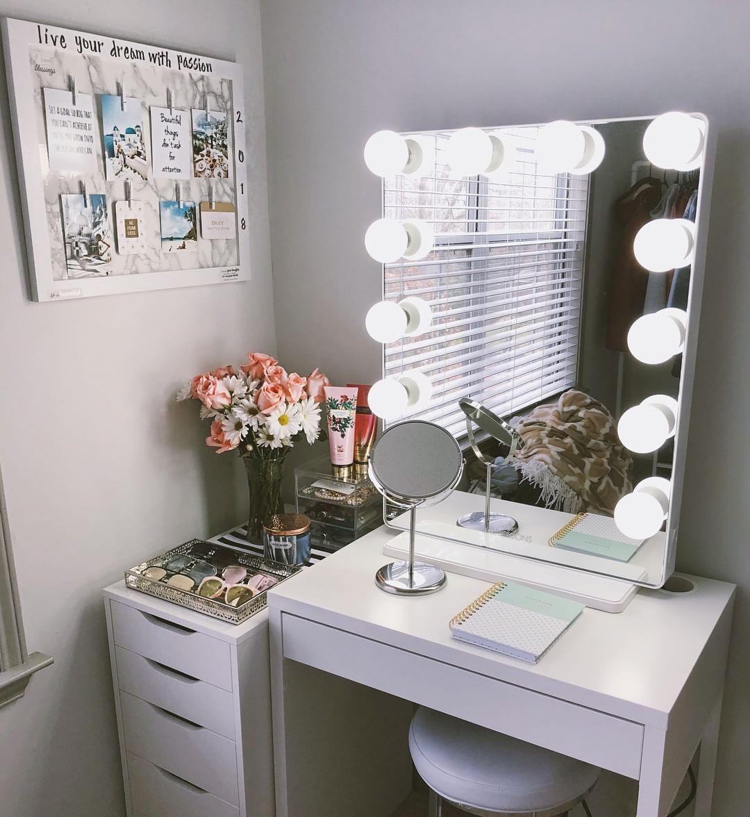20 Best Makeup Vanities & Cases for Stylish Bedroom images