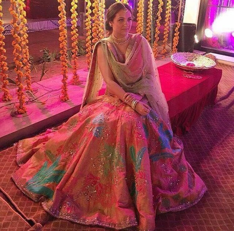 Pin by @Dil_Di_Gal_Couture (Instagram) on Lengha | Pinterest | Desi ...