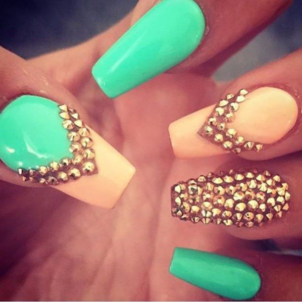 This is mint and peach bead nails. Hope u enjoy and like this pin.