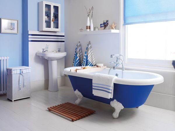 bathroom makeover using plastikote spray paint we used twist spray royal blue for the bath. Black Bedroom Furniture Sets. Home Design Ideas