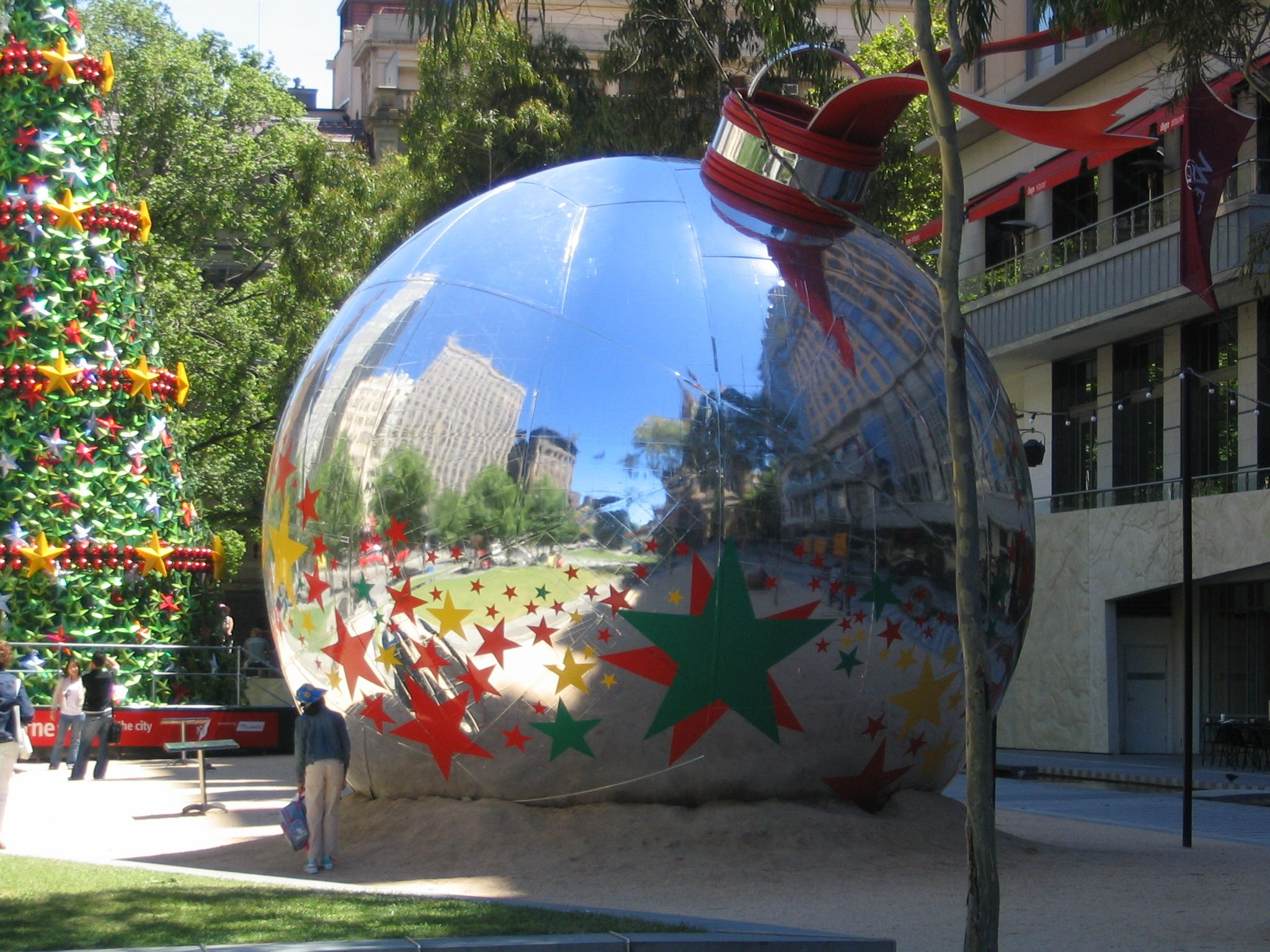 giant outdoor christmas ornaments balls - Google Search | HH ...