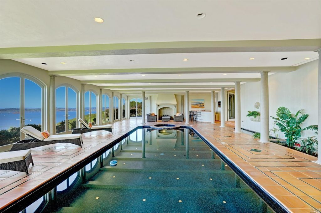 141 Gilmartin Dr Belvedere Tiburon Ca 94920 Mls 21706776 Zillow House Styles Pool Designs Mansions