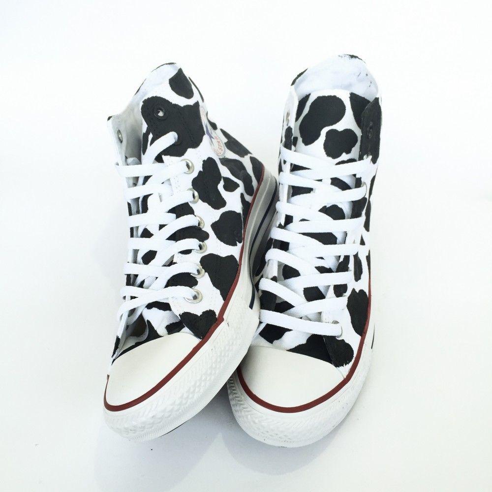 Cow Print High Top Converse Ku-trykk, joggesko mote  Cow print, Sneakers fashion