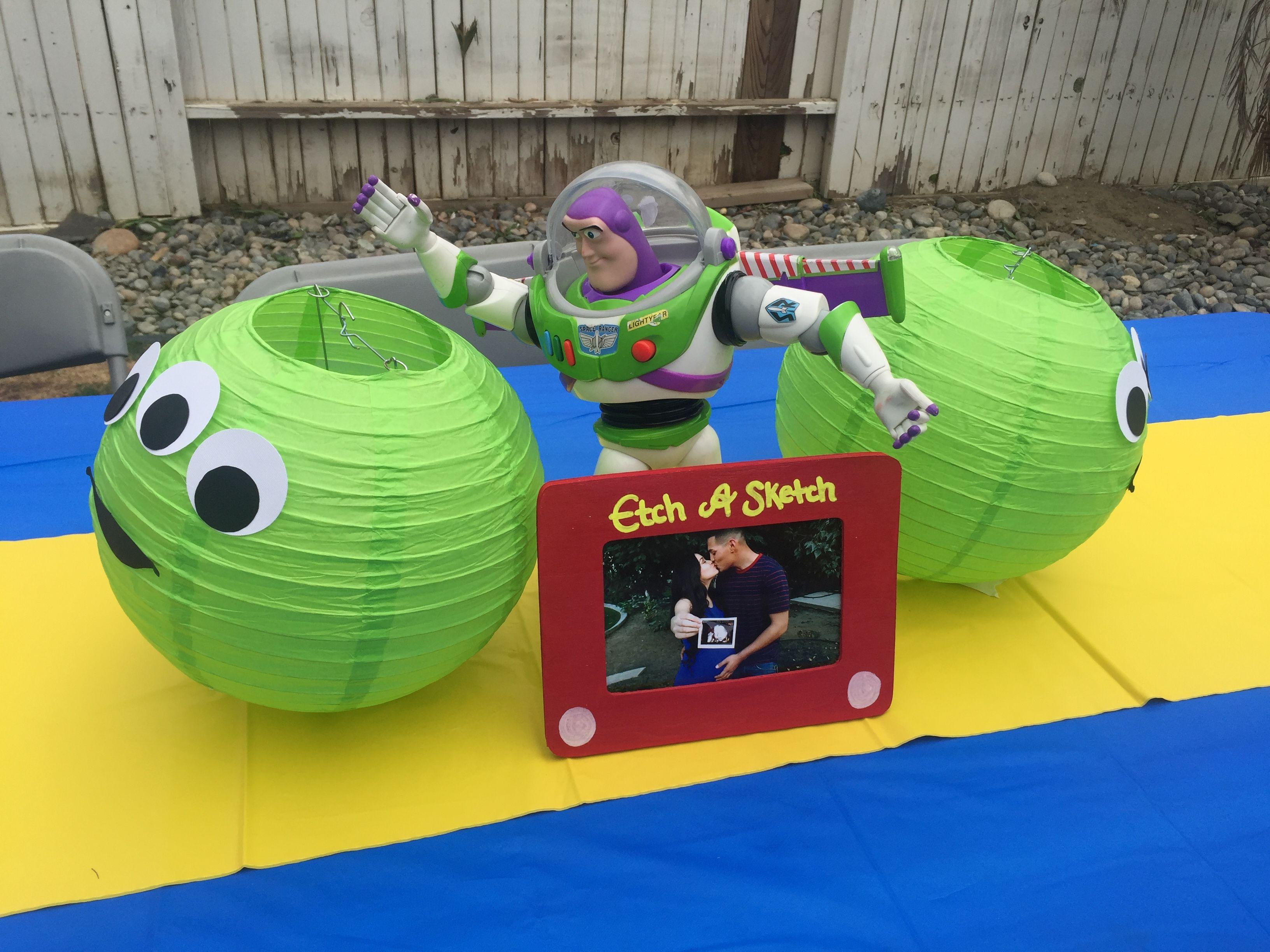 Boy Story baby shower theme, Buzz Lightyear table centerpiece ...