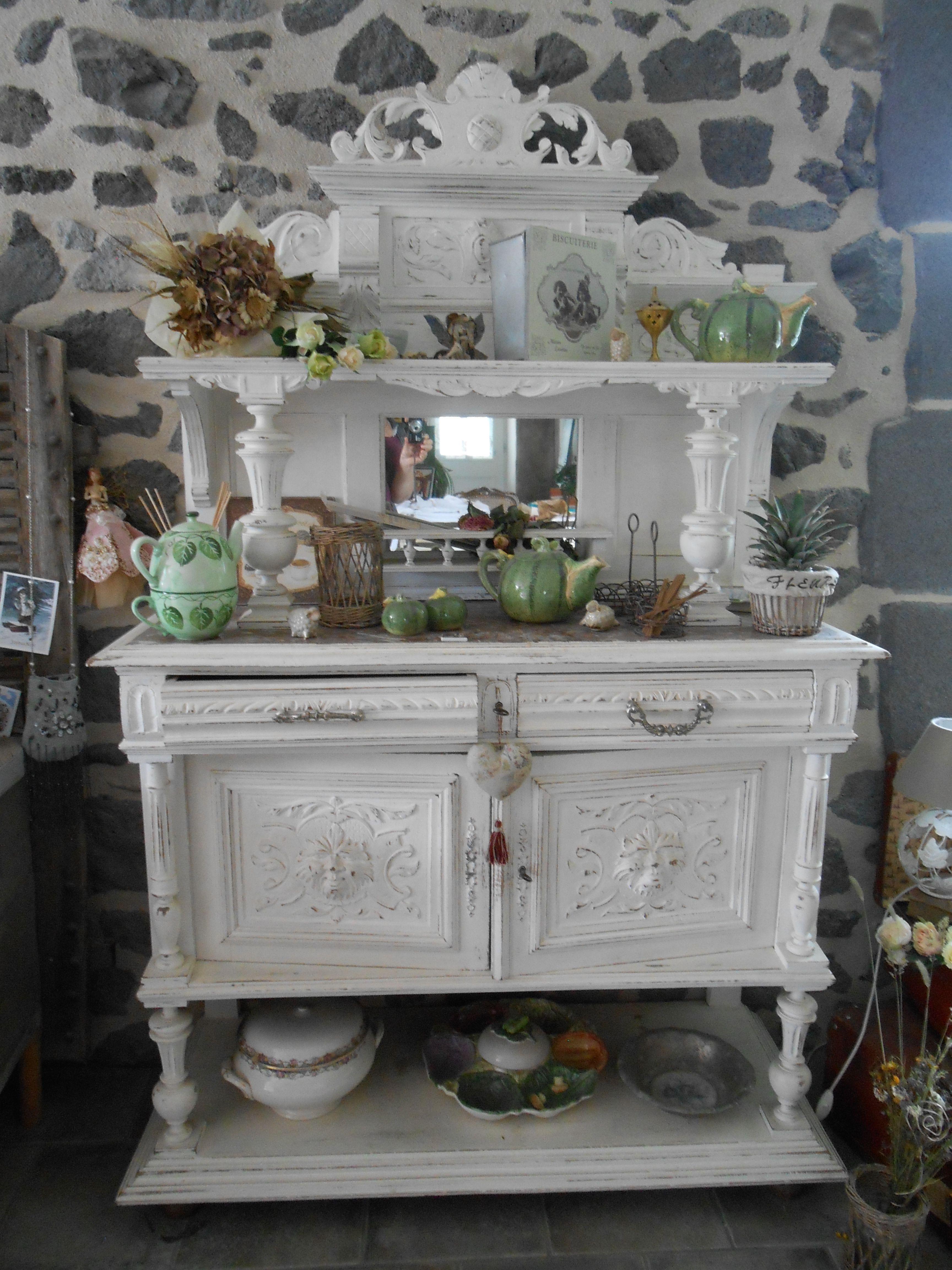Desserte henri ii repeinte en blanc my lil farmhouse en 2019 paint furniture rustic - Relooking vieux meubles ...