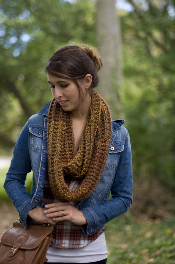Simple Knit Inifinity Scarf DIY