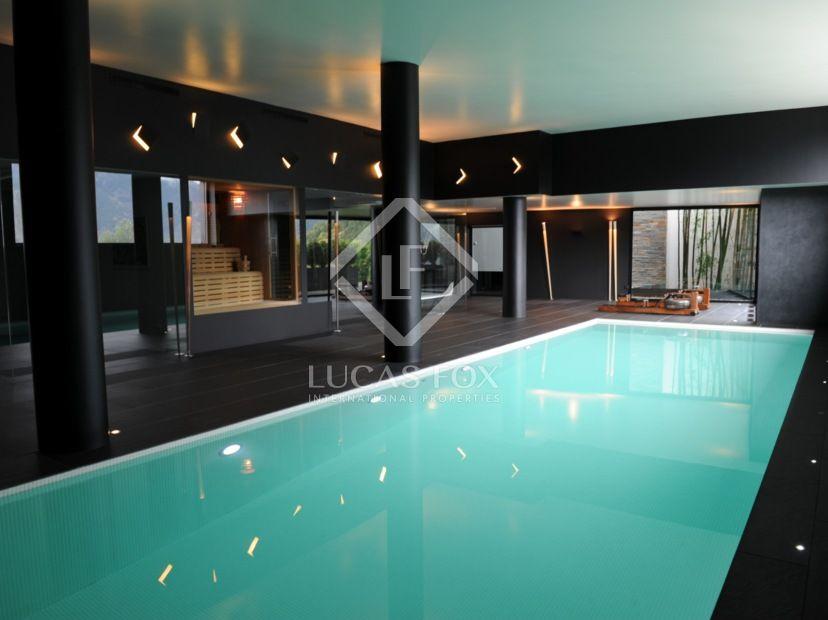 Superbe Villa De Luxe En Vente  Andorre  Indoor Swimming Pool