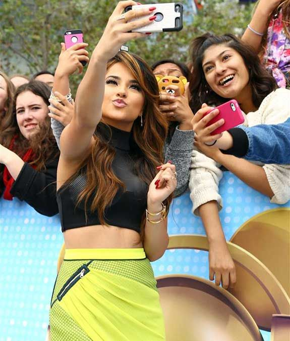 becky g 2015 rdmas win | Becky Smooches and Selfies With RDMA Fans