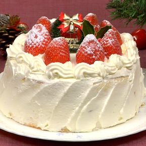 Christmas Cake Recipe (Strawberry Sponge Cake) | C