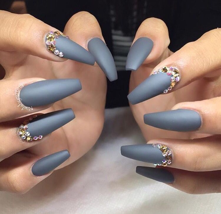 Matte Gray Coffin Nails Grey Nail Designs Nails Design With Rhinestones Gray Nails