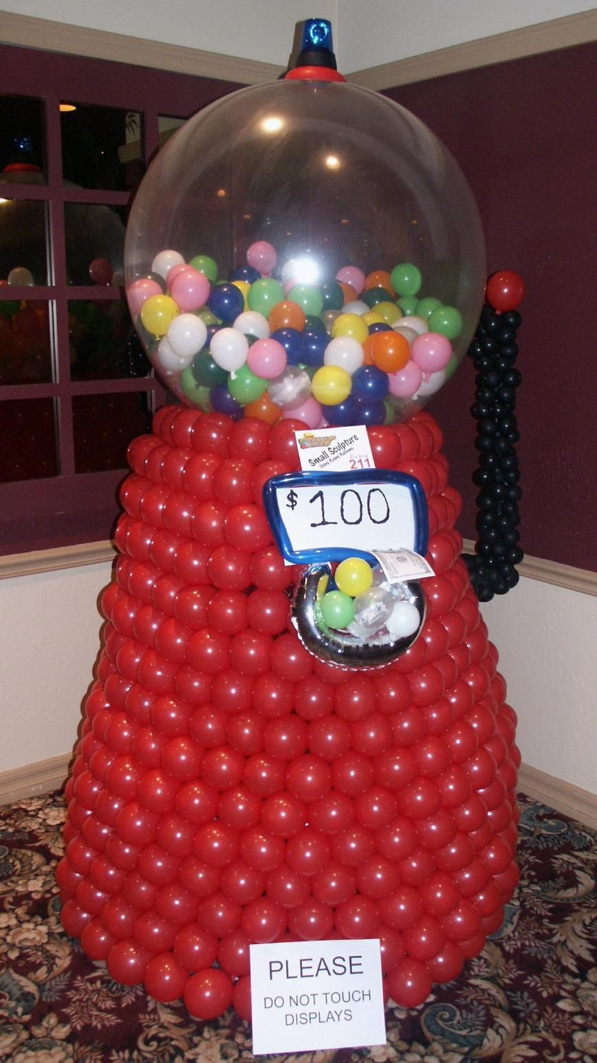 Bubble gum machine made out of balloons cute ideas for Balloon decoration machine