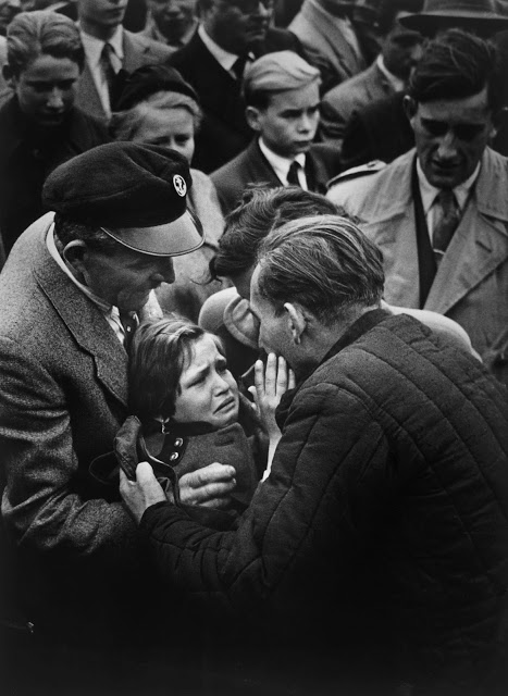 A German WWII Prisoner Is Reunited With His Daughter for