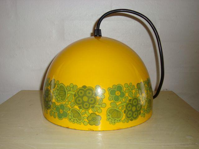 """FOG & MØRUP/ARABIA """"Kalas"""" pendant/pendel - 1974 design KAJ FRANCK.  #trendyenser #fogmørup #kajfranck #kalas #pendant #pendel #lamps #danishdesign #danskdesign #retro #vintage #70s. From www.TRENDYenser.com. SOLGT."""