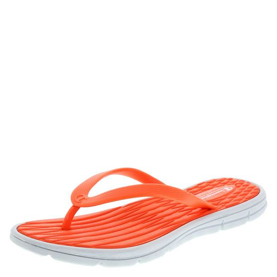 f32082d4e9024 Sporty sandals meet comfort.