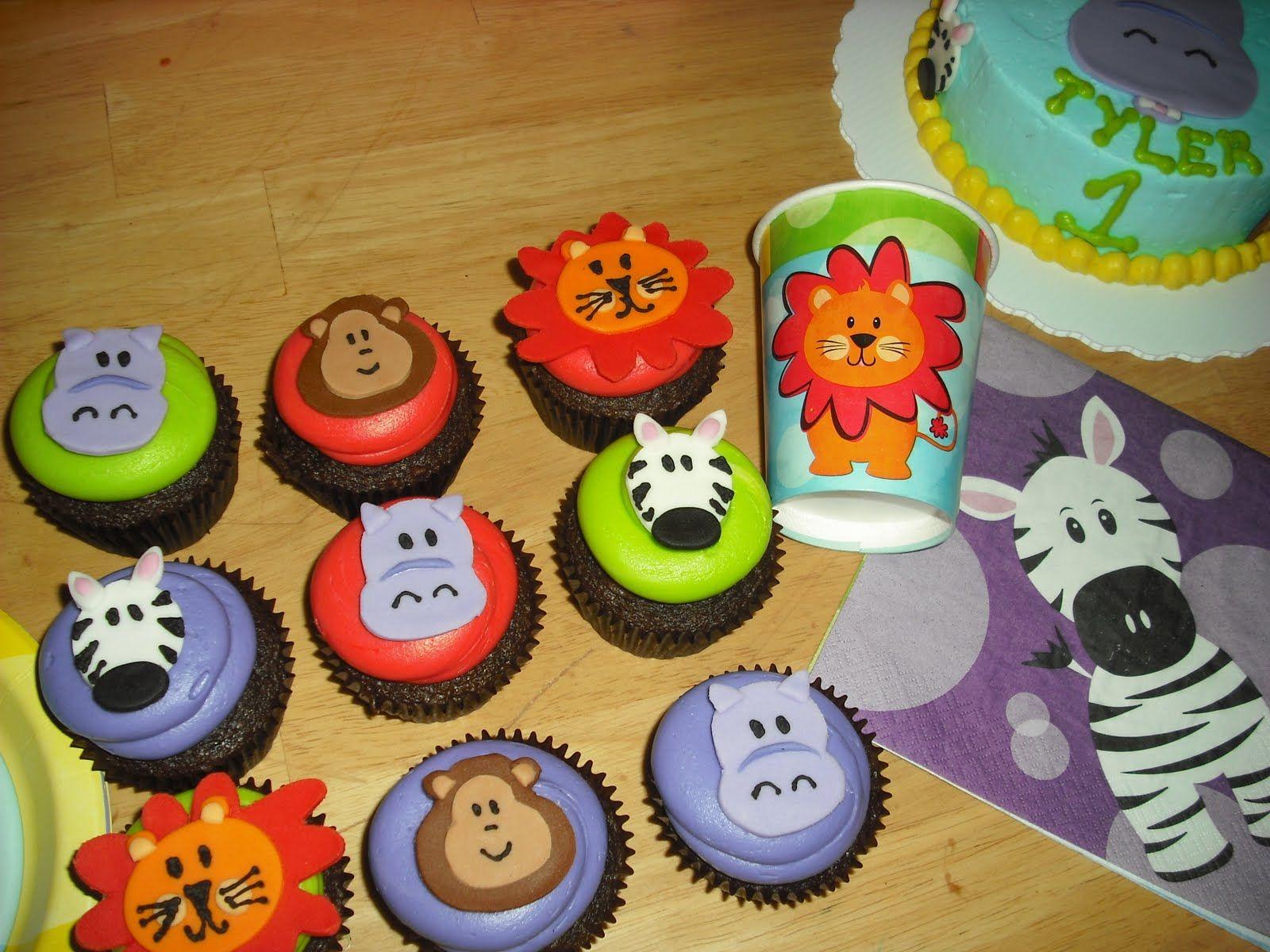animal cupcake Zoo Animals Cupcakes cakes Pinterest Zoo