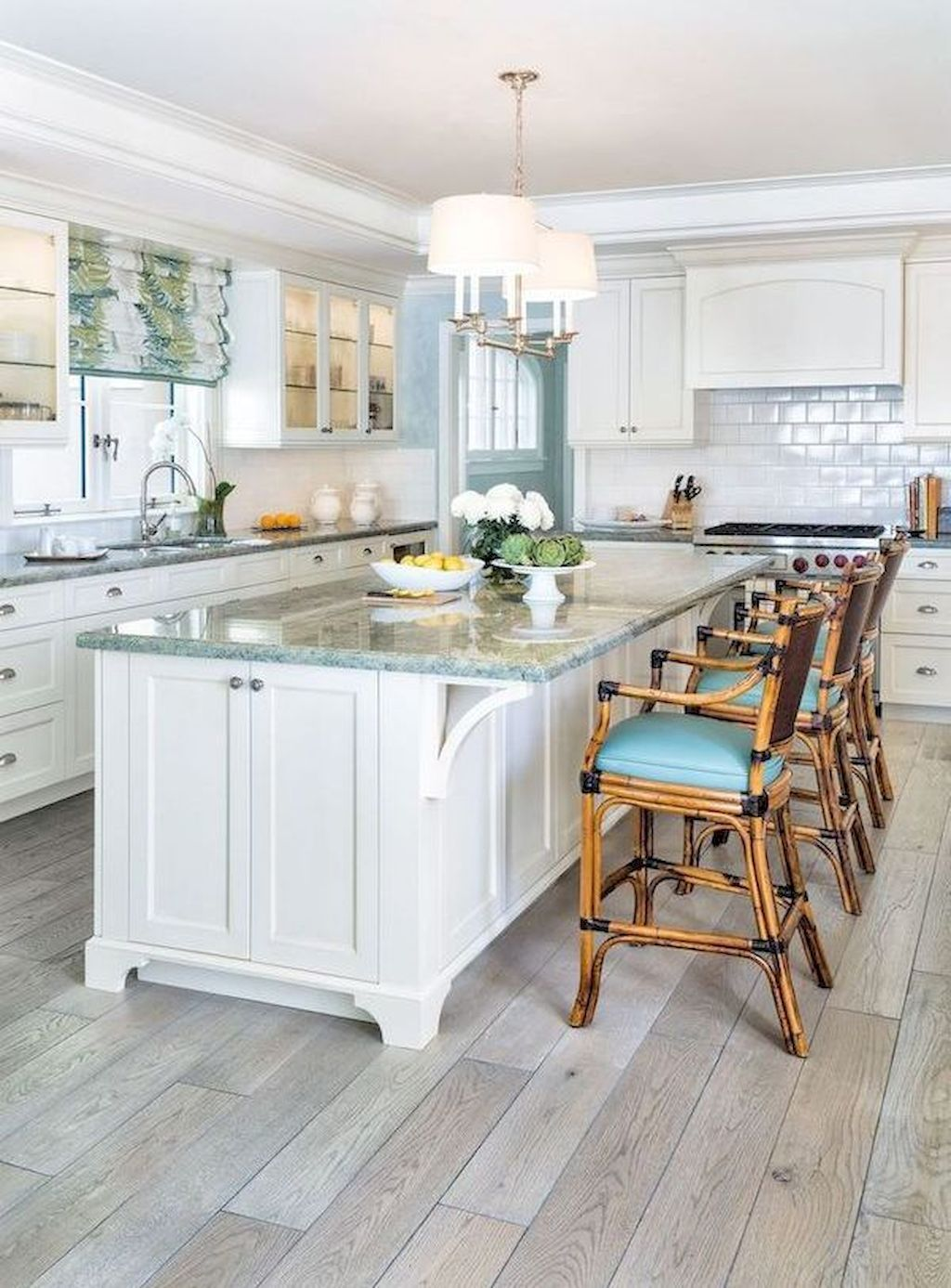 Cool 70 Tile Floor Farmhouse Kitchen Decor Ideas https