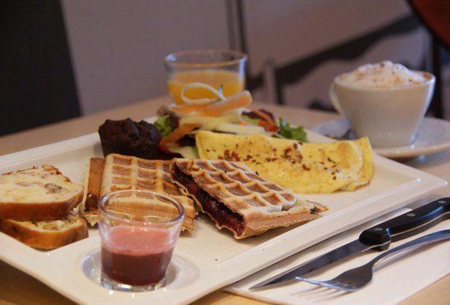 The 12 Best Breakfast Restaurants In Montreal Breakfast Restaurants Best Breakfast Breakfast Spot