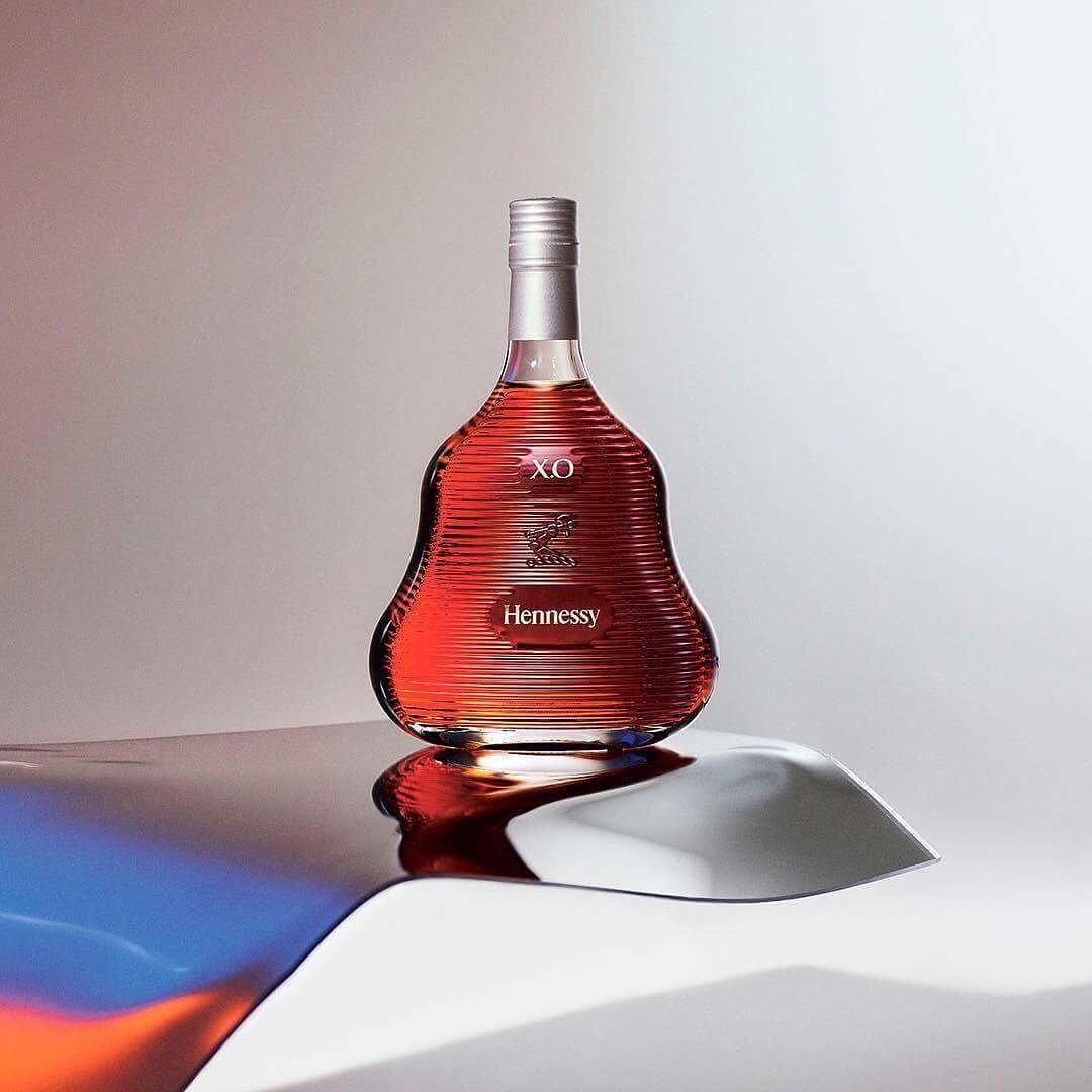 This Year The Iconic X O Comes In A Daring And Modern Striped Decanter Created By The Celebrated Austral Australian Design Wallpaper Magazine Instagram Fashion