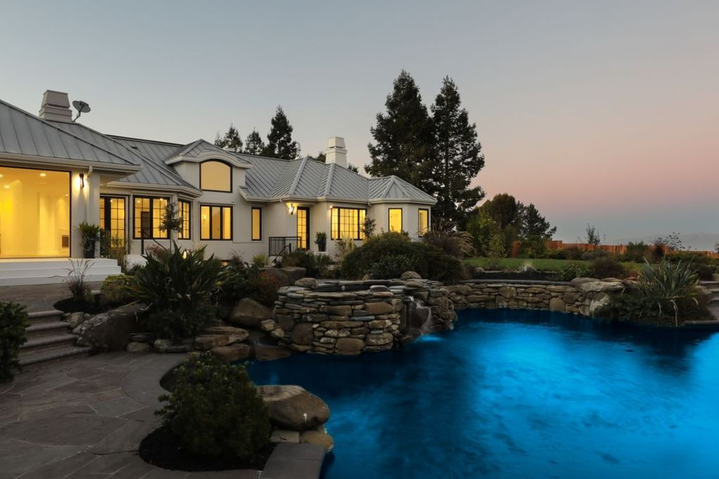 27466 Sunrise Farm Rd Los Altos Hills Ca 94022 Zillow Sunrise Farm Los Altos Hills Los Altos