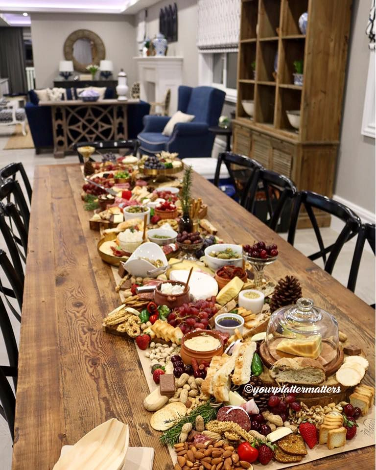 Long table platter nibbles entr e pinterest long for Idee gartenparty