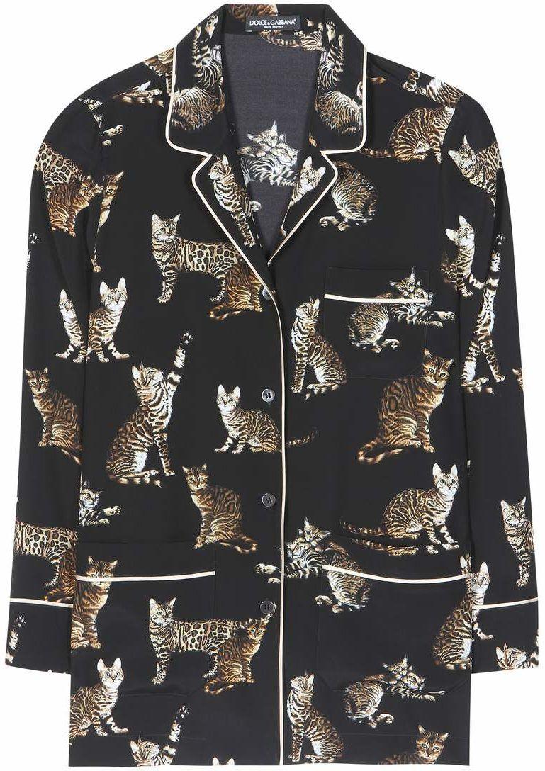 Fashion blogger Veronika Lipar of Brunette From Wall Street sharing her favourite pyjamas shirts