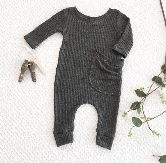Photo of Dunkelgrauer Strampler, einteiliges Babyoutfit, Babykleidung, geschlechtsneutrale Babykleidun…