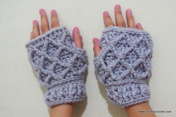 Free crochet pattern for Rheema Fingerless Mittens   sap   Pinterest ...