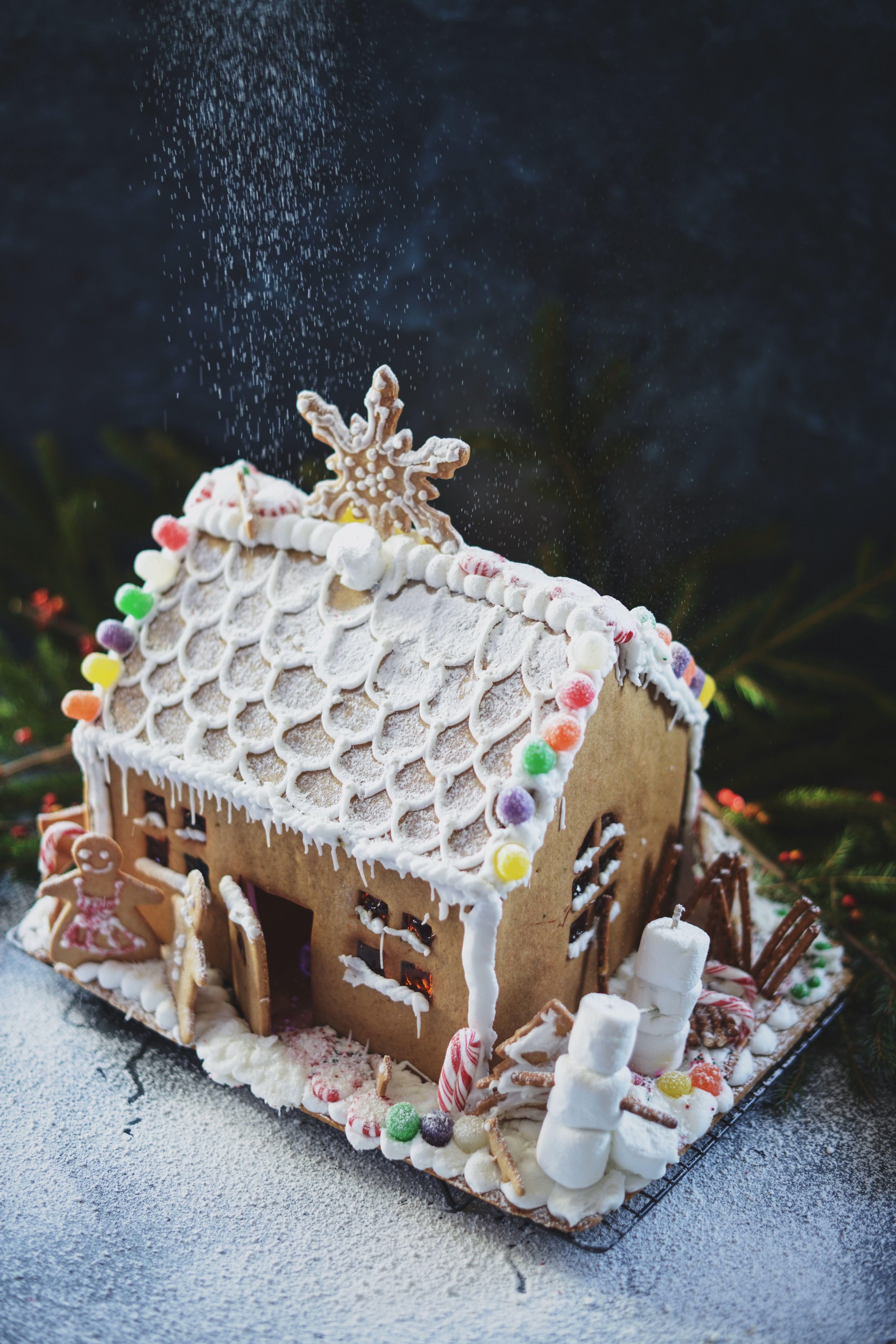 Gingerbread house by @fareisle | y u l e | Pinterest