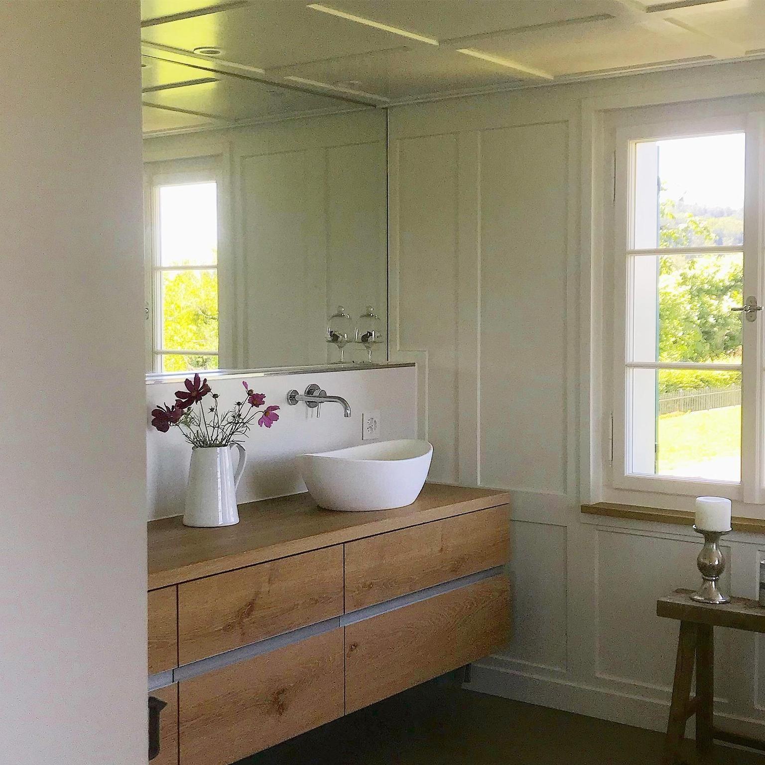 Ein Wunderschones Badezimmer In Einem Bauernhaus In Der Schweiz